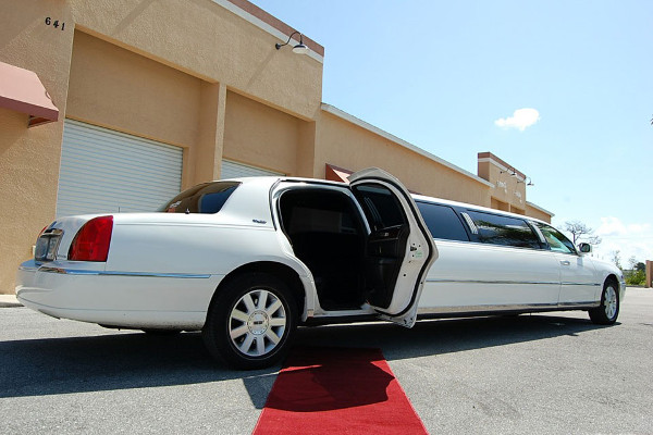 Lake Mary Lincoln Limos Rental