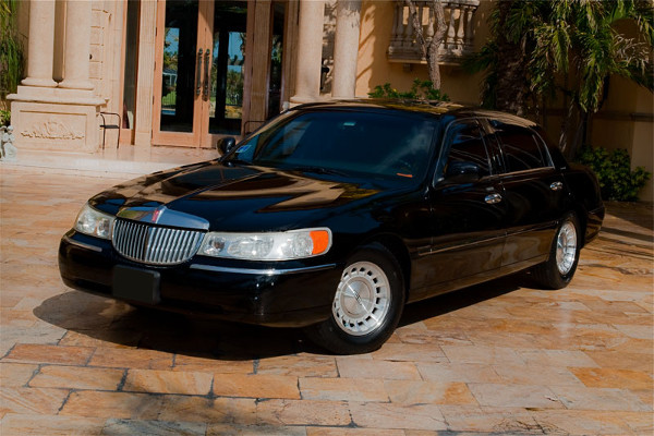 Lincoln Sedan Lake Mary Rental
